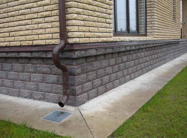 Фото: Искусственный камень для цокольной части и стен