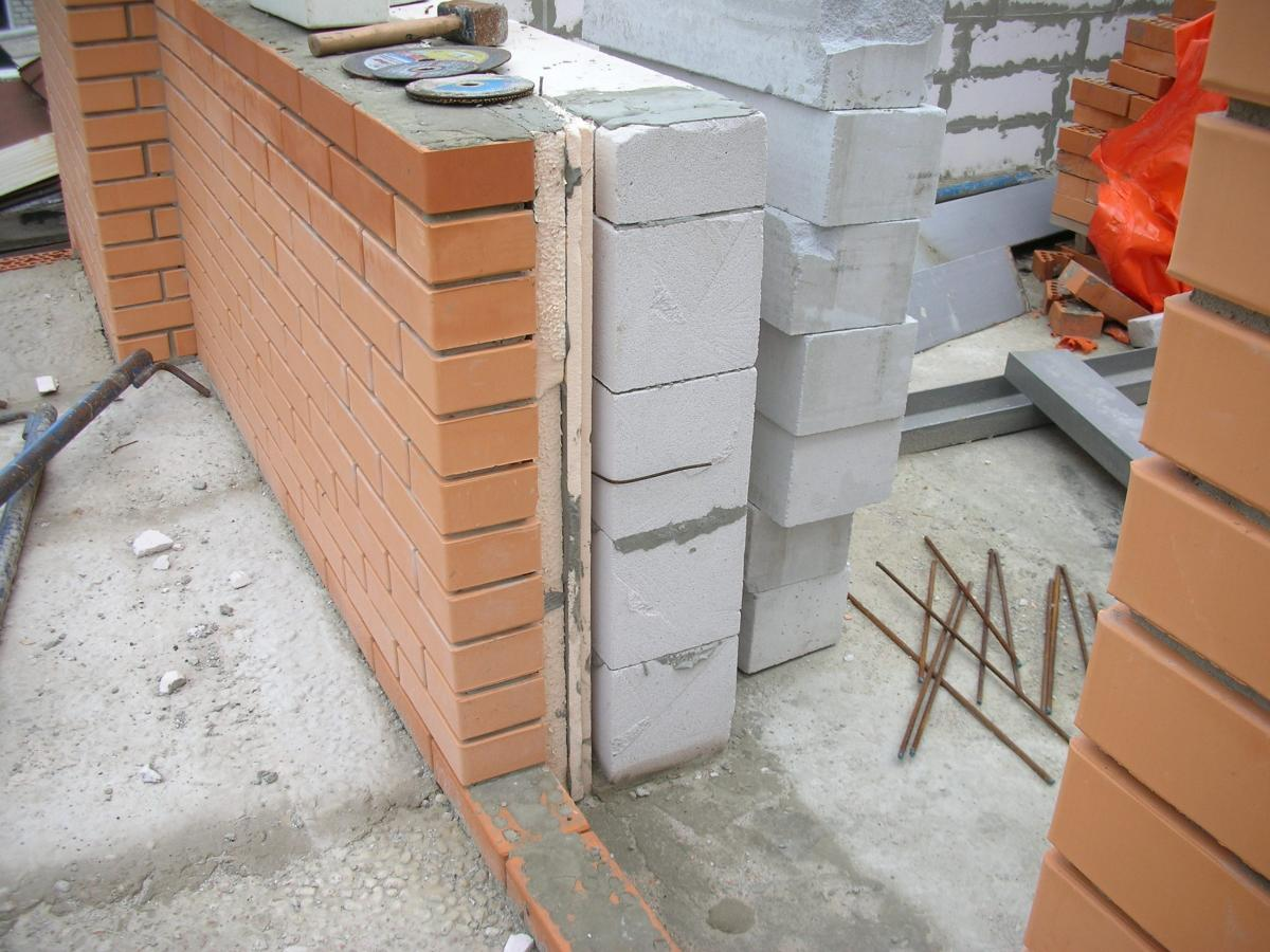 пенопласт между блоками