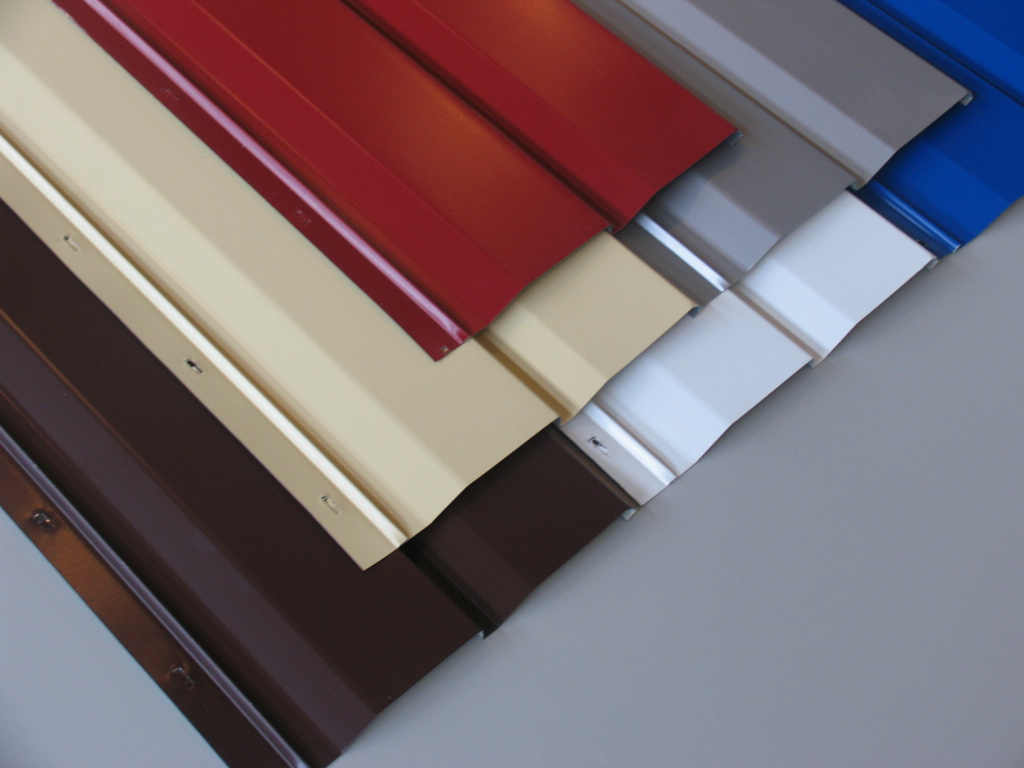 Фото: Алюминиевые полотна выпускается в широкой гамме цветовых решений
