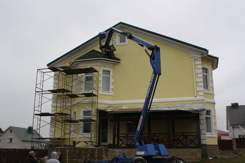 Фото: При монтаже может потребоваться строительная техника
