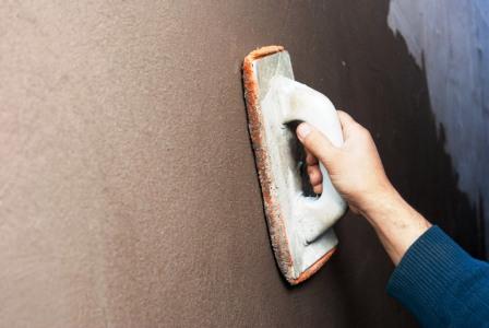 Фото: После высыхания смеси можно провести финишная шлифовку поверхности