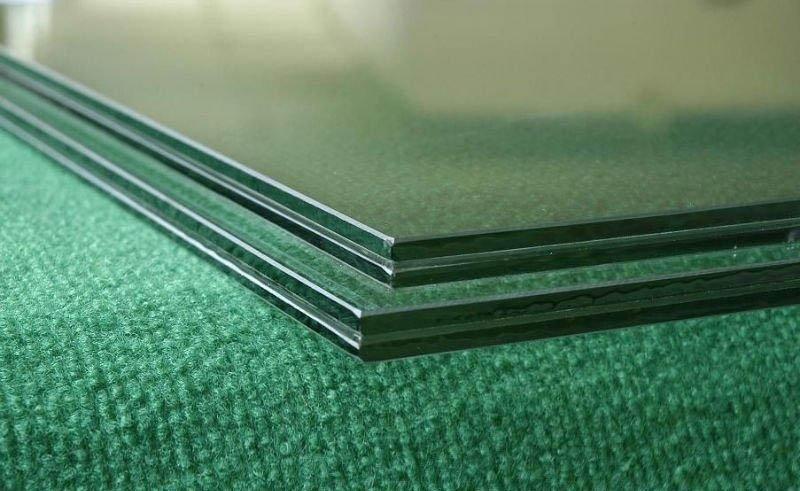 Фото: Триплекс - это соединение нескольких полотен стекла