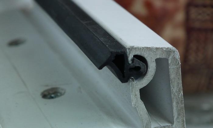 Фото: Причина повышенных теплопотерь - это изнашивание резиновых уплотнителей