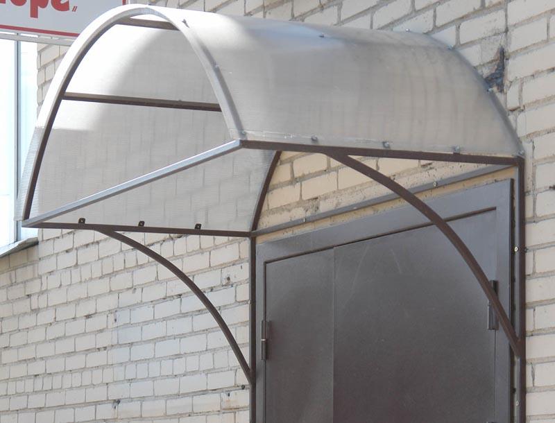 Фото: Металлический каркас из полых труб