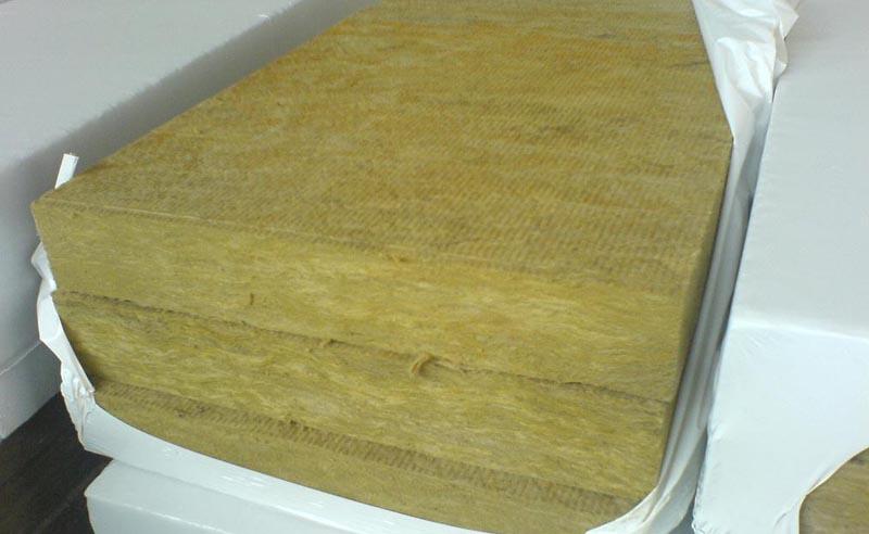 Фото: Минеральная вата в плитах для теплоизоляции полов