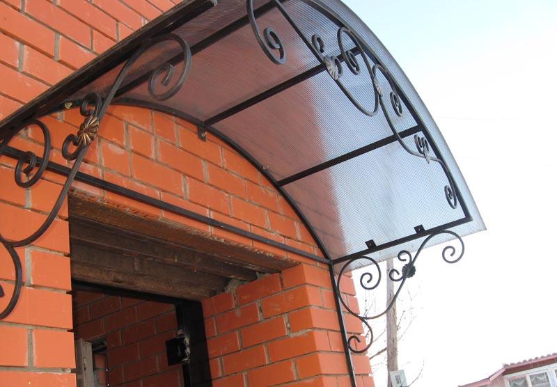 Фото: Конструкция с покрытием из поликарбоната