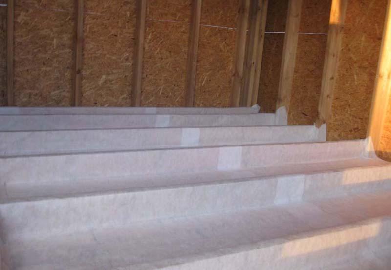 Фото: Для создания бесшовно-перекрывающего покрытия используют строительный скотч
