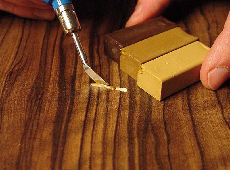 Фото: Шпатлевка-расплав требует использование воскоплавителя