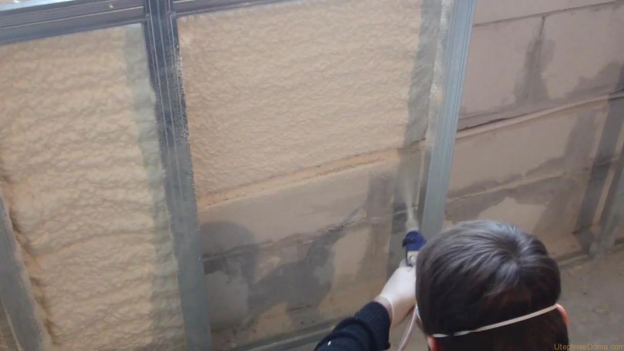 Фото: Пенополиуретан - надежный утеплитель для проведения внутренних теплоизоляционных работ
