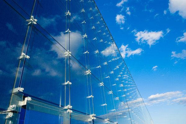 Фото: Применение моностекла в остеклении городских зданий