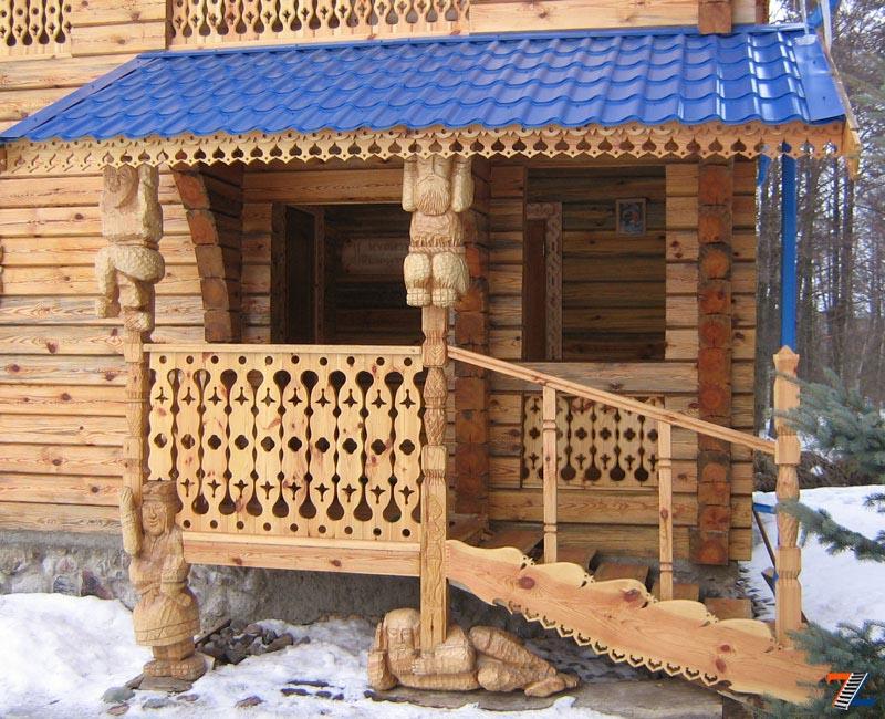 Фото: Деревянные ограждения наиболее просты в изготовлении