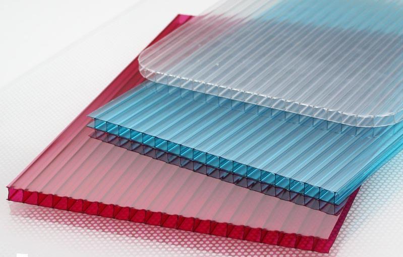 Фото: Поликарбонат один из лучших материалов по соотношению цена/качество