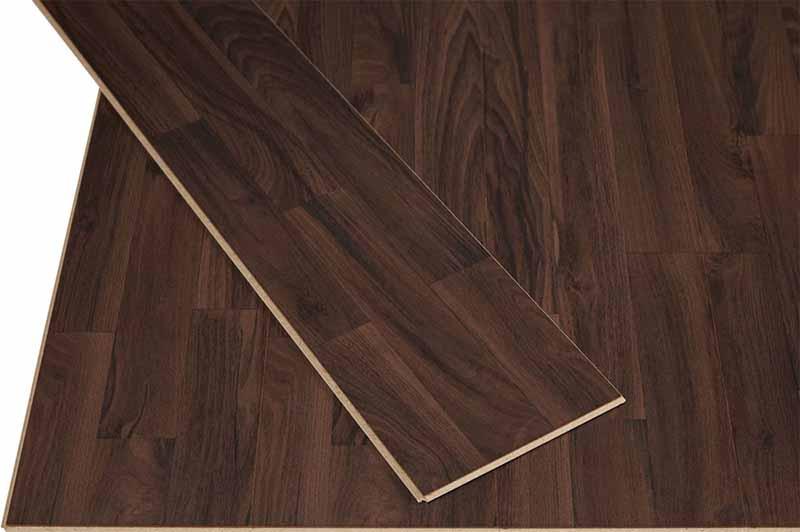 Фото: Ламинат 32-33 оптимален для настила в квартире